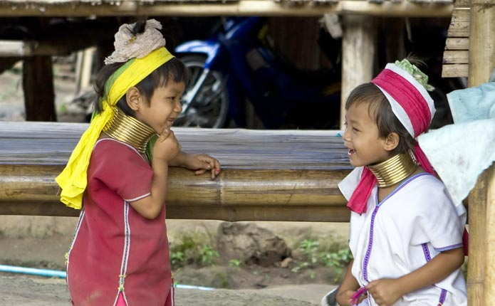 chiangmai-chiangrai-one-day-white-maesai-tour