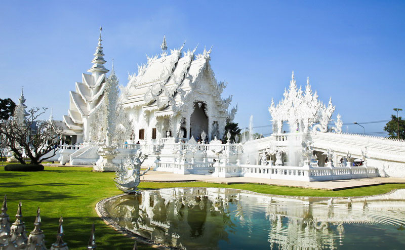 white-temple-chiangrai-8
