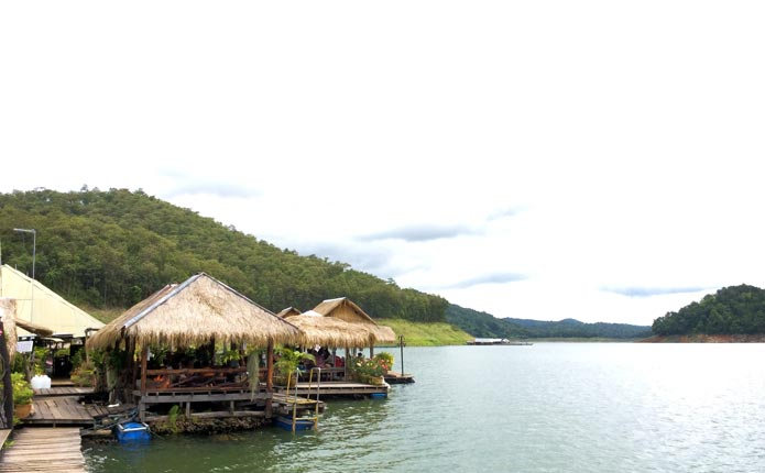 chiangmai-kayaking-lake-boat-house-lunch