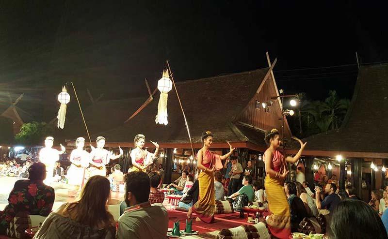 khantoke-dinner-old-chiangmai-cultural-center-4
