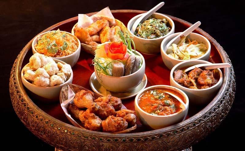 khantoke-dinner-old-chiangmai-cultural-center-8