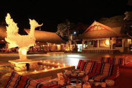 khum-khantoke-dinner-chiangmai-thailand2